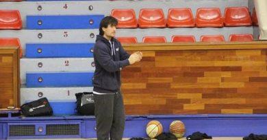 CRUCES A LA VISTA: Cristian Sánchez, entrenador del Cadete Especial Femenino